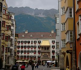 Det gyldne tag i byens centrum