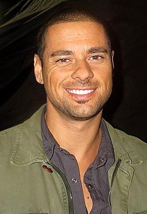 J. R. Ramirez - J. R. Ramirez on the set of Arrow in 2014