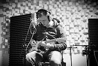 Jaroslav Mikoška natáčí ve studiu EMP.jpg