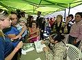 Jefa de Estado visitó el Puesto de Atención Médica Especializada (PAME) del Ejército (17054399925).jpg