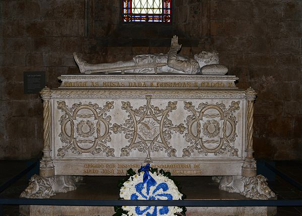 Camoes' tomb in the Jeronimos Monastery, Belem, Lisbon Jeronimos April 2014-2.jpg
