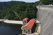 Jezioro Pilchowickie Elektrownia wodna przy zaporze (2).JPG