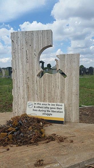 Joe Slovo - The grave of Joe Slovo in Avalon Cemetery, Soweto
