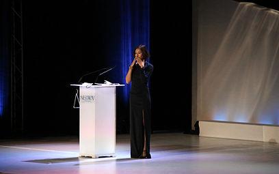 Johanna Wokalek, Laudatio für Luc Bondy - Nestroy-Theaterpreis 2013.jpg