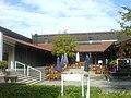 Justizvollzugsschule Straubing - Terrasse vor dem Hauptgebäude.JPG