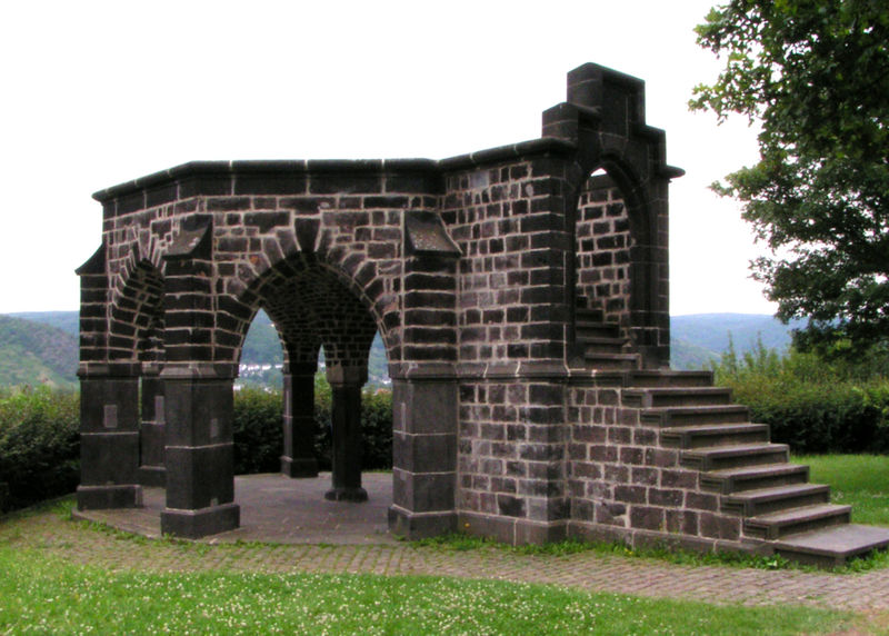 File:Königsstuhl bei Rhens2.JPG