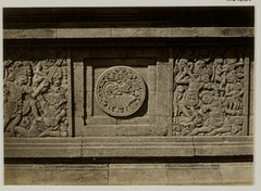 KITLV 28281 - Isidore van Kinsbergen - Relief with part of the Ramayana epic on the north side of Panataran, Kediri - 1867-02-1867-06.tif