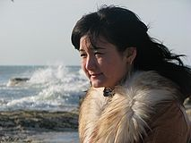 Kazakh woman at the Caspian Sea.JPG