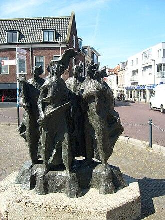 Amsterdamse Poort, Haarlem - Sculpture in front of the gate on the Haarlem side (Spaarnwouderstraat) depicting Kenau Simonsdochter Hasselaer