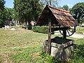 Kerekes kút a műemlék zsidó temetőben ID 11166. - Tata.JPG