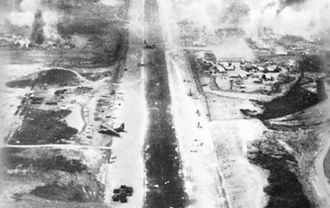 1968 in the Vietnam War - The final plane evacuating men after the Battle of Kham Duc