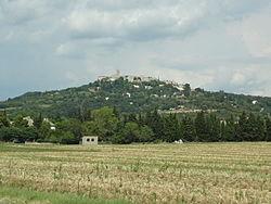 La Garde-Adhémar, village vu du sud-ouest.JPG