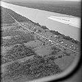 Landschap met rivier, waarschijnlijk Brits Guyana, gezien vanuit een vliegtuig, Bestanddeelnr 252-2688.jpg