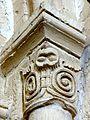 Le Bellay-en-Vexin (95), église Sainte-Marie-Madeleine, croisillon sud, chapiteau dans l'angle nord-est.JPG