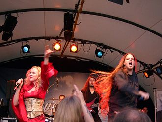 Leaves' Eyes - Image: Leaves Eyes Liv Kristine and Alexander Krull at Henkersfest Stuttgart July 2007