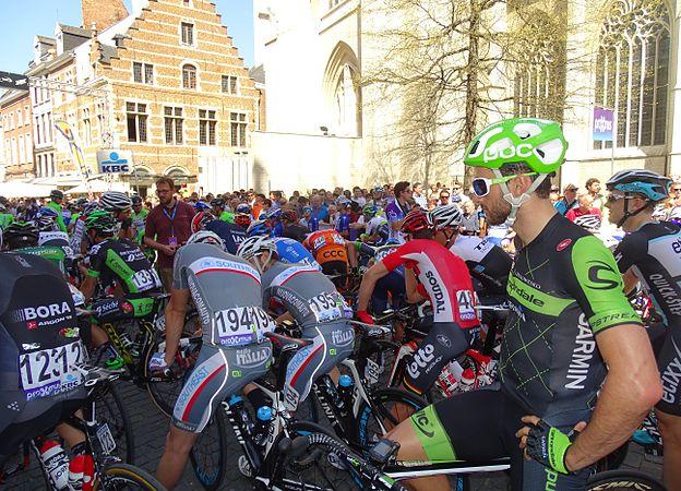 Leuven - Brabantse Pijl, 15 april 2015, vertrek (C04).JPG