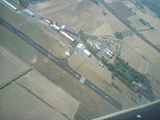 Castelnaudary – Villeneuve Airport - Image: Lfmw 11