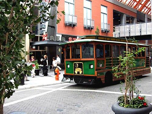 Louisville 4thStreet trolley