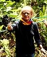 Luis Eduardo Aute con la Campaña La Mano Sucia de Chevron.jpg