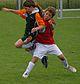 Mädchen beim Fußballspielen.JPG