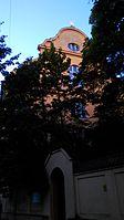 München — Armenversorgungshaus St. Martin — Westfassade.jpg