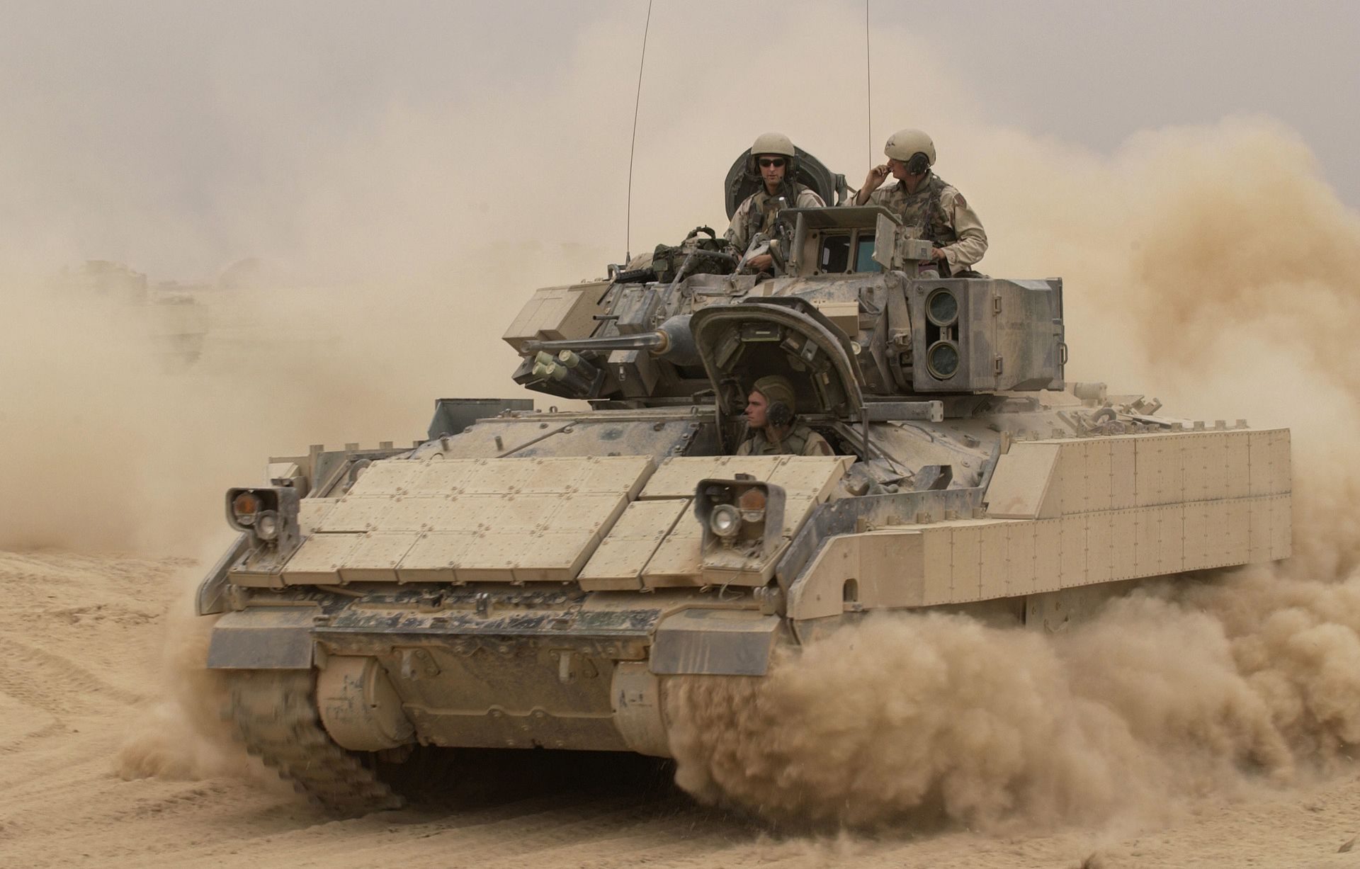 Bradley Fighting Vehicle - Wikipedia