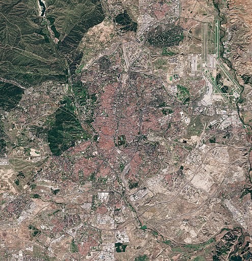 Madrid as seen by the Sentinel-2 satellite in October 2020 Madrid by Sentinel-2, 2020-10-30.jpg