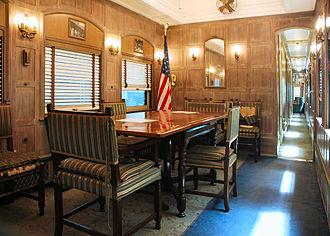 Ferdinand Magellan (railcar) - Image: Magellan Railcardiningroom