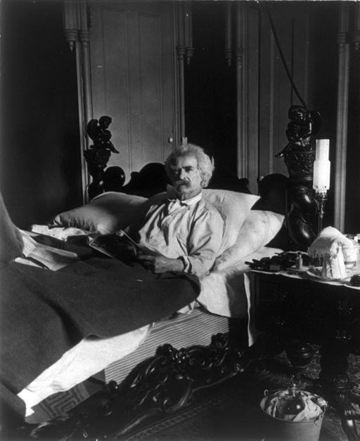 Mark Twain in bed cph.3b11796