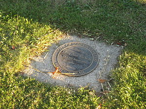 Mary Ann Nichols - Nichols' grave as of 2009