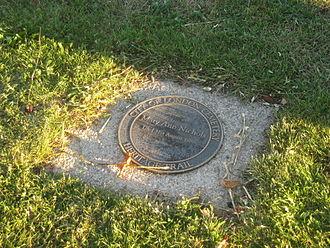 Mary Ann Nichols - Nichols' grave as of 2009