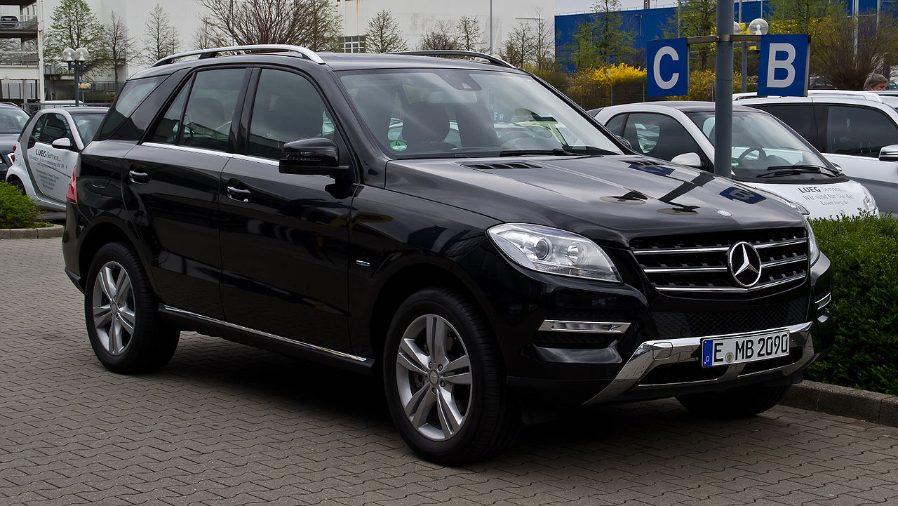 file mercedes benz ml 250 bluetec 4matic w 166 frontansicht 1 april 2012. Black Bedroom Furniture Sets. Home Design Ideas