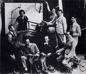 Reuven Rubin - Image: Migdal David's artists c. 1925