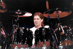 Mike Sturgis - Mike Sturgis in concert in 1995 with Wishbone Ash