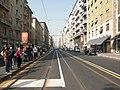 Milano viale Tunisia fermata tram.jpg