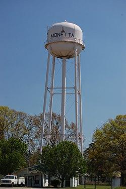 Water tower in Monetta