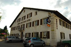 Montfaucon Hotelo du Lion d Or 058.JPG
