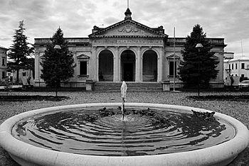Monumento ai caduti, Oderzo.jpg