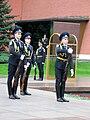 Moskva Cestna straz pred hrobom neznameho vojaka.jpg
