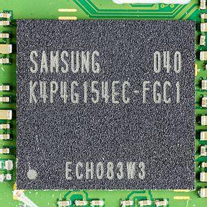 Mobile DDR - Image: Motorola Xoom Samsung K4P4G154EC FGC1 on main board 0122