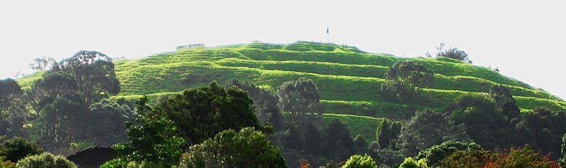 File:Mt Eden terraces.JPG