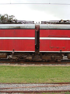 New Zealand EW class locomotive - The Jacobs bogie and bellows of EW 1806.