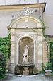 Neptune fountain Palazzo Bruni Conter Brescia.jpg