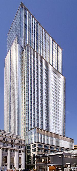 Denka (company) - Image: Nihonbashi mitsui tower 01s 3872