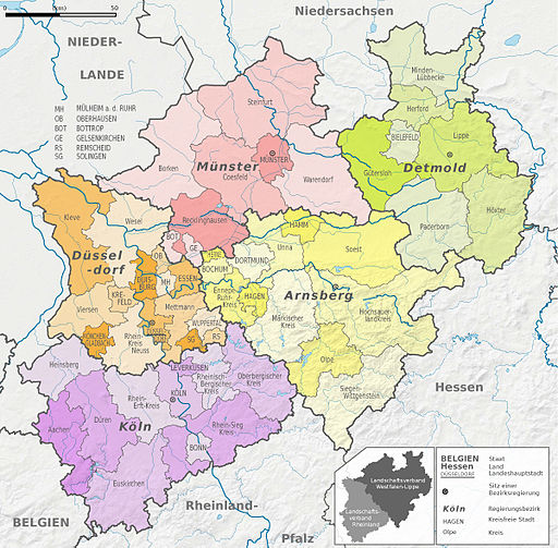 Nordrhein-Westfalen, administrative divisions - de - colored (full featured - larger labels)