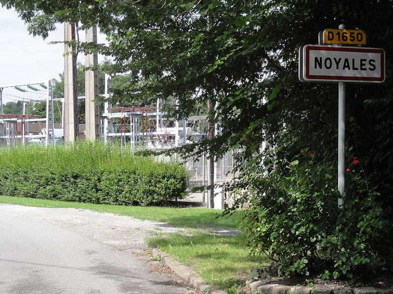 Noyales (Aisne) city limit sign