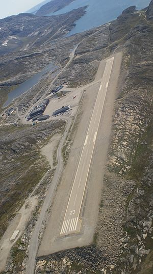 STOLport - 950 meter runway at Nuuk