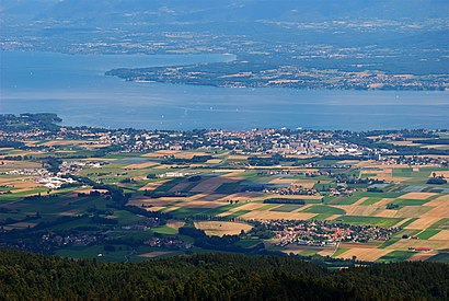 How to get to Nyon with public transit - About the place