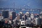 OAKLAND, CA, USA - Skyline und Bridge.JPG
