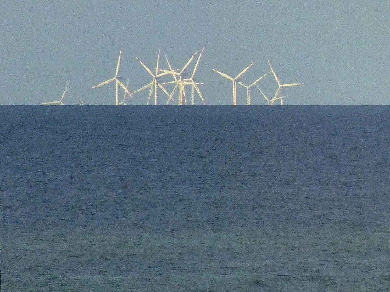 Windräder unter dem Horizont